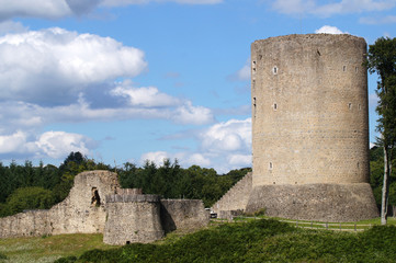 Tour de Bridiers et ses anciennes fortifications