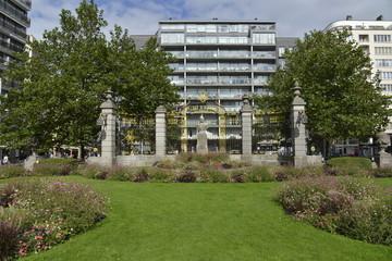 La place Marie-Josée avec son jardin à Ostende