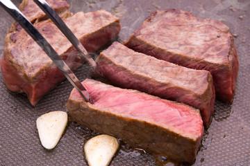 黒毛和牛のモモステーキ