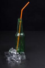 Bottiglia e ghiaccio