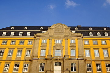 Folkwang Universität  in  ESSEN-WERDEN