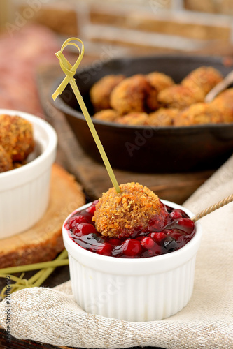 Meatballs with cranberry sauce - 70116659