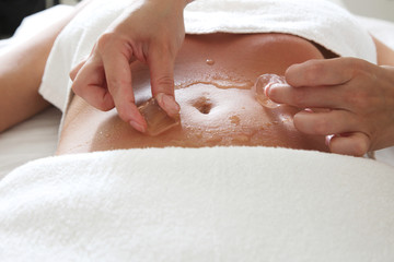 Spa procedure with ice cubes; hot and cold treatment