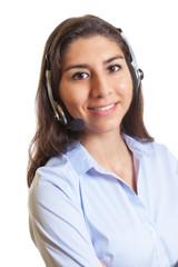 Lachende Südamerikanerin mit Headset