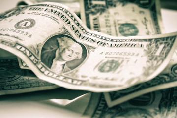 Pila de billetes de 1 dólar