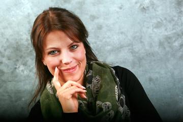 Portrait einer hübschen jungen Frau