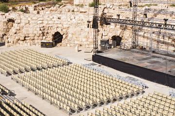 Contemporary scene in the Roman amphitheater.
