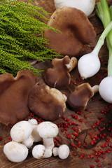 Funghi e cipollotti