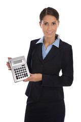 Business Frau freigestellt mit Taschenrechner in der Hand