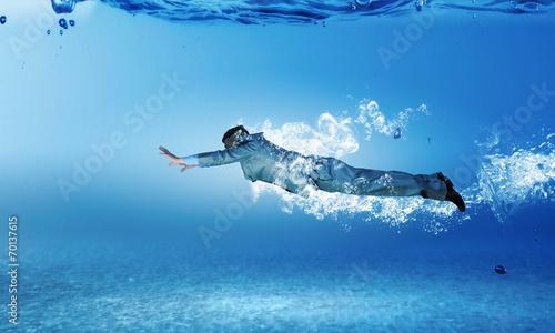 Leinwandbild Motiv Swimming businessman