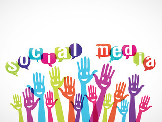 groupe mains souriantes : social media