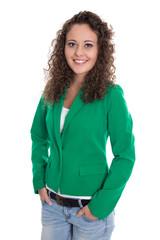 Bewerbungsfoto einer jungen Frau in Grün: Freisteller