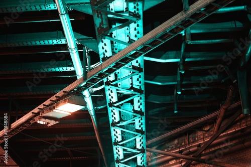 canvas print picture Brückenkonstruktion im Tunnel