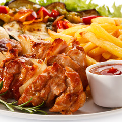 Grilled meat chips and vegetables