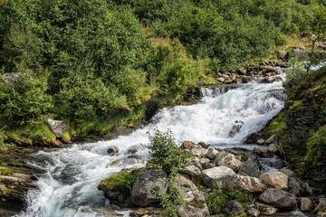Ein Fluß in Geiranger in Norwegen.