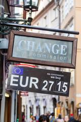 Schild einer Wechselstube in Prag