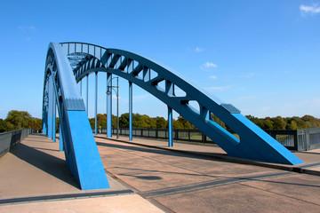 Die Sternbrücke über die Elbe