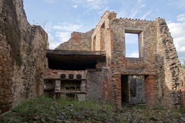 Ruine de la boulangerie à Oradour-sur-glane