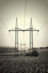 Krajobraz wiejski, przesyłanie energii elektrycznej,