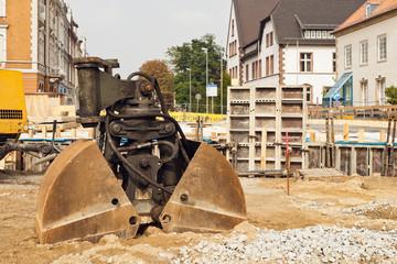 Sanierung einer Strassenbrücke und eine Doppelschaufel