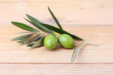 Coppia di olive verdi