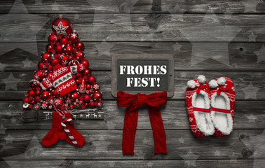 Weihnachtliche Grußkarte in Rot mit Holz oder Hintergrund