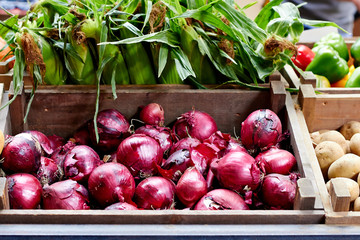 Red onions at the market