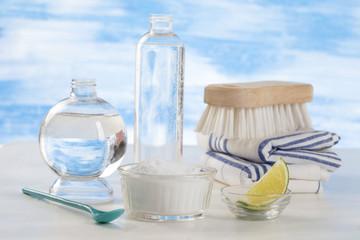 Detergeant biologique,   vinaigre blanc, citron et  bicarbonate