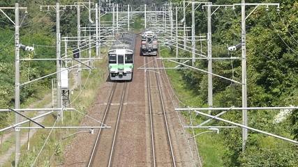 高架橋から撮影した鉄道の列車_5