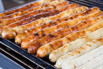 Bratwurst - Würstchen Grillen - Grillwurst Bratwurststand