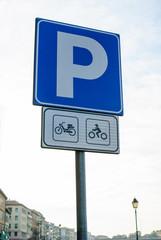 Segnaletica, cartello stradale parcheggio moto e motorini