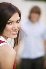 Junge Frau lächelnd, Porträt