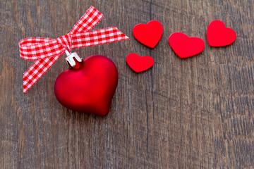 Herzen Schleife Christbaumschmuck rot weiß