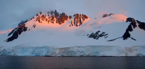 View of snowy mountains (Antarctica)