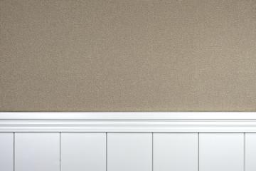 Täfelung mit Tapete beige - Hintergrund