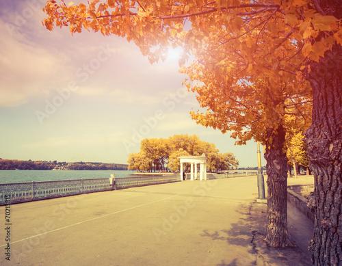 autumn city - 70213815
