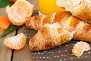 croissant and mandarine