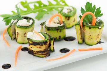 involtini di zucchine grigliate con formaggio