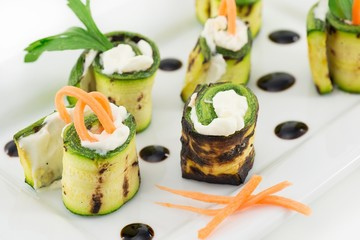 grilled zucchini rolls with cheese