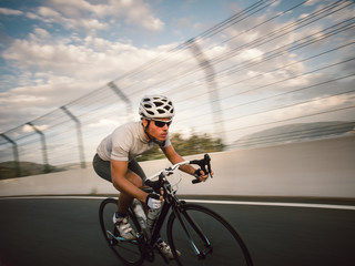 Cyclist circulating at high speed