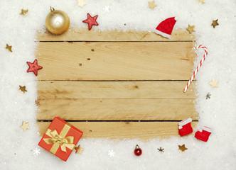 Weihnachten, Kunstschnee Rahmen auf Holz Hintergrund.