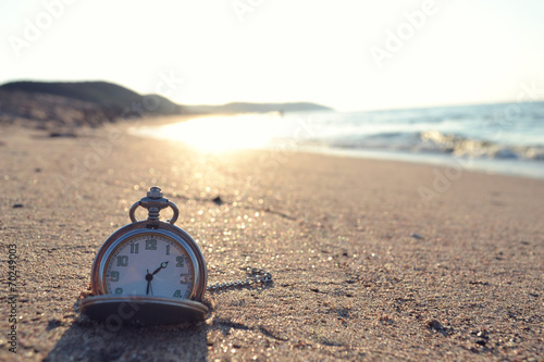 In de dag Kust time clock photo