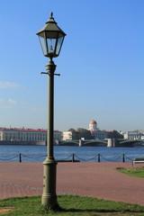 фонарный столб на набережной