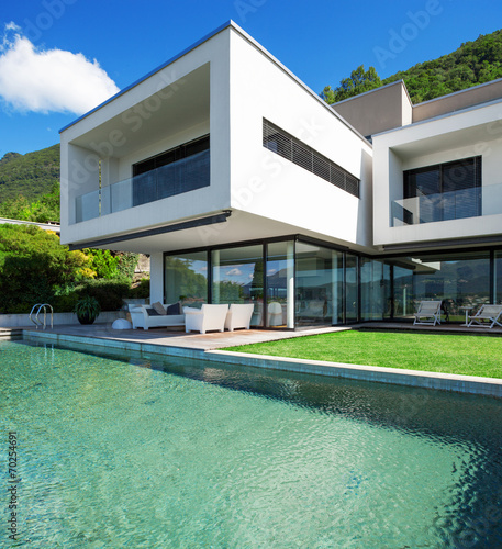 canvas print picture Pool and modern house
