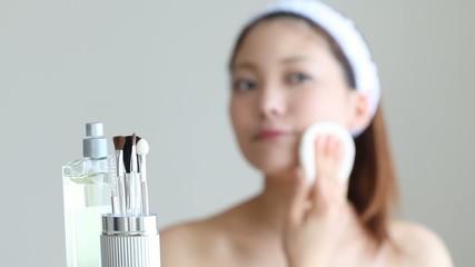 化粧道具と女の子2