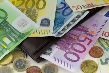 Geldbörse mit Euro Banknoten
