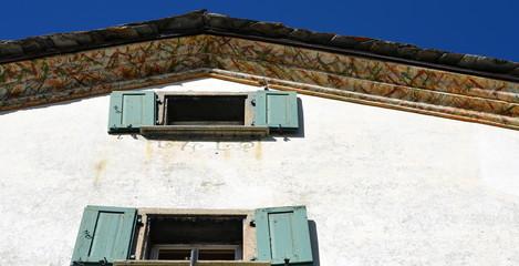 façade grisonne