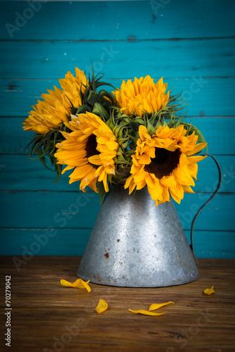 sunflower in metal vase - 70279042