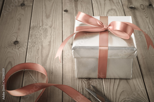 Leinwanddruck Bild Wrapping of Gift Box with Vintage Effect