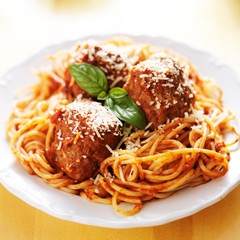 spaghetti and meatballs closeup